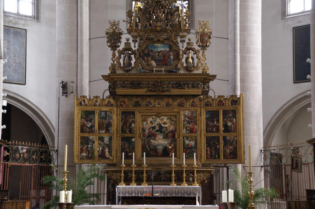 Der Hochaltar im Münster